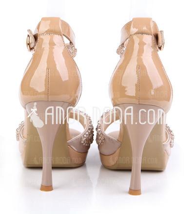 Kunstleder Stöckel Absatz Sandalen Keile Peep Toe mit Nachahmungen von Perlen Schnalle Schuhe (087026614)