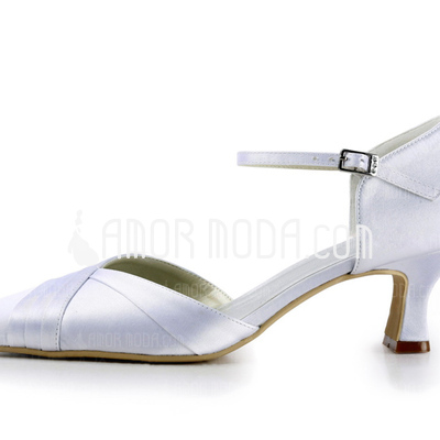Vrouwen Satijn Spool Hak Closed Toe Pumps met Buckle (047011058)