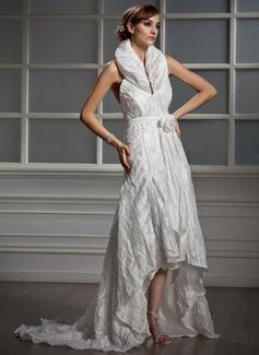 Forme Princesse Dos nu Traîne asymétrique Taffeta Robe de mariée avec Plissé Fleur(s) (002012923)