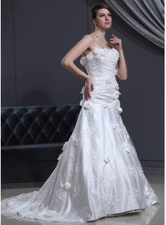 A-Line/Princess Sweetheart Chapel Train Tulle Charmeuse Wedding Dress With Lace Beading Flower(s) (002000142)