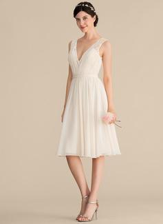 A-Line/Princess V-neck Knee-Length Chiffon Lace Bridesmaid Dress With Ruffle (007165849)