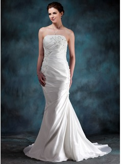 Trumpet/Mermaid Strapless Court Train Taffeta Wedding Dress With Ruffle Beading Appliques Lace (002000494)