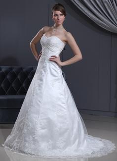 Forme Princesse Bustier en coeur Traîne moyenne Satiné Tulle Robe de mariée avec Dentelle Emperler (002000126)