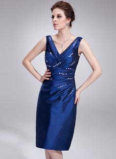Etui-Linie V-Ausschnitt Knielang Taft Cocktailkleid mit Rüschen Perlen verziert (016021247)