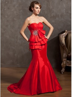 Trumpet/Mermaid Sweetheart Court Train Taffeta Holiday Dress With Ruffle Beading (020025966)