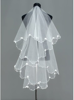 One-tier Waltz Bridal Veils With Scalloped Edge (006005390)