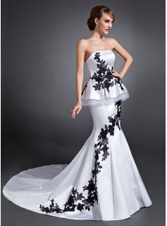 Trumpet/Mermaid Strapless Chapel Train Satin Wedding Dress With Appliques Lace (002020733)