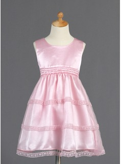 A-Line/Princess Knee-length Flower Girl Dress - Tulle/Charmeuse Sleeveless Scoop Neck With Lace (010014661)