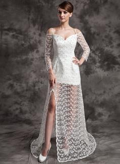 Forme Princesse Epaules nues Traîne moyenne Satiné Dentelle Robe de mariée avec Emperler Fendue devant (002024084)