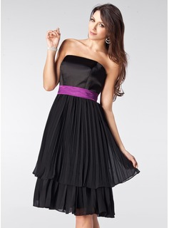 A-Line/Princess Strapless Knee-Length Chiffon Satin Bridesmaid Dress With Sash Bow(s) Pleated (007000944)