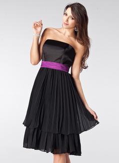 A-Line/Princess Strapless Knee-Length Chiffon Satin Bridesmaid Dress With Sash Bow(s) Pleated (007000944)