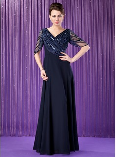A-Line/Princess V-neck Floor-Length Chiffon Mother of the Bride Dress With Ruffle Beading (008018715)
