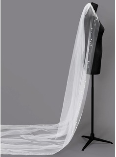 One-tier Beaded Edge Chapel Bridal Veils With Faux Pearl (006203744)