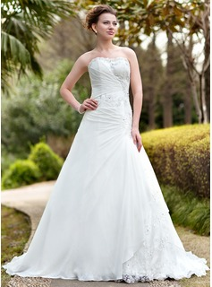 A-Line/Princess Sweetheart Chapel Train Chiffon Lace Wedding Dress With Ruffle Beading (002000139)