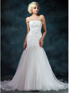 Trumpet/Mermaid Strapless Chapel Train Satin Organza Wedding Dress With Lace Beading (002011975)