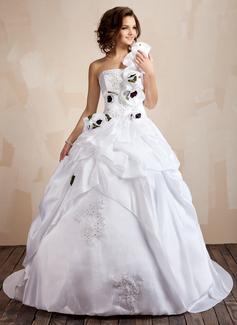 Forme Marquise Encolure asymétrique Traîne moyenne Taffeta Robe de mariée avec Dentelle Emperler Fleur(s) Sequins Robe à volants (002001432)