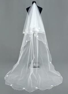 Een-rij Kathedraal Bruids Sluiers met Geschulpte Rand (006005386)