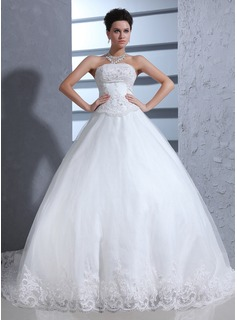 Ball-Gown Sweetheart Cathedral Train Organza Wedding Dress With Lace Beading (002017370)