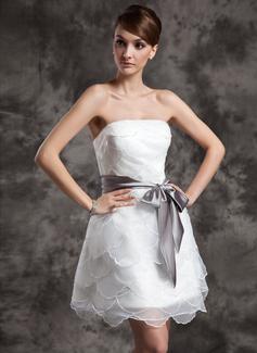 Forme Princesse Sans bretelle Court/Mini Organza Robe de mariée avec Plissé Ceintures À ruban(s) (002024071)