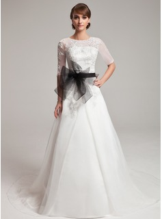 A-Line/Princess Scoop Neck Chapel Train Organza Wedding Dress With Lace Sash Beading (002004752)