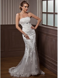 Trumpet/Mermaid Strapless Court Train Tulle Charmeuse Wedding Dress With Ruffle Lace Crystal Brooch (002012589)