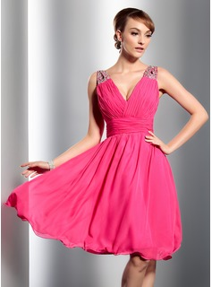 Cheap Homecoming Dresses A-Line/Princess V-neck Knee-Length Chiffon Homecoming Dress With Ruffle Beading Sequins (022014793)