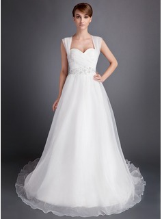 A-Line/Princess Sweetheart Chapel Train Organza Wedding Dress With Ruffle Beading (002016006)
