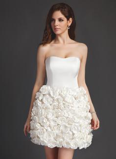 Forme Princesse Bustier en coeur Court/Mini Satiné Robe de mariée avec Fleur(s) (002011514)