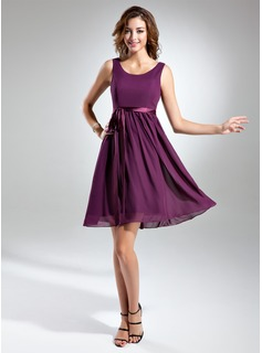 A-Line/Princess Scoop Neck Knee-Length Chiffon Charmeuse Bridesmaid Dress With Sash Bow(s) (007015498)