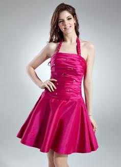 A-Line/Princess Halter Short/Mini Taffeta Homecoming Dress With Ruffle Beading (022020623)