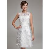 Vestido tubo Escote redondo Hasta la rodilla Satén Organdí Vestido de novia con Pluma (002011489)