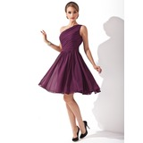 A-Line/Princess One-Shoulder Knee-Length Chiffon Bridesmaid Dress With Ruffle Bow(s) (007000918)