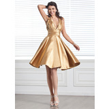 A-Line/Princess Halter Knee-Length Charmeuse Homecoming Dress With Ruffle Beading (022020614)