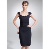 Etui-Linie Cowl Neck Knielang Chiffon Kleid für die Brautmutter mit Rüschen Perlen verziert (008005617)