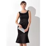 Trompete/Meerjungfrau-Linie U-Ausschnitt Knielang Satin Kleid für die Brautmutter mit Perlen verziert (008015138)