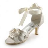 Vrouwen Satijn Stiletto Heel Sandalen met Satijnen Bloem (047005444)