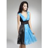 A-Linie/Princess-Linie V-Ausschnitt Knielang Organza Festliche Kleid mit Rüschen (020036577)