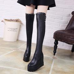 Frauen PU Keil Absatz Stiefel Stiefel über Knie mit Niete Schuhe (088137107)