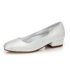 Frauen Satin Stämmiger Absatz Geschlossene Zehe Absatzschuhe Färbbare Schuhe (047088670)