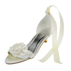 Frauen Satin Niederiger Absatz Peep Toe Sandalen mit Blume (047062056)