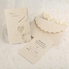 Classic Style Tri-Fold Invitationskort (Sæt af 50) (114091459)