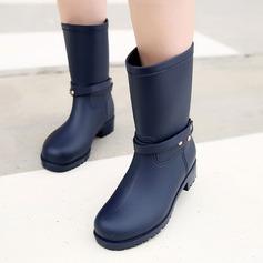 Frauen PVC Niederiger Absatz Stiefel Stiefel-Wadenlang Regenstiefel mit Pailletten Niete Schuhe (088131044)