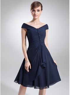 A-Line/Princess Off-the-Shoulder Knee-Length Chiffon Mother of the Bride Dress With Cascading Ruffles (008006013)