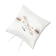 Чистая элегантность Кольцо подушки в Атлас с лук (103018499)
